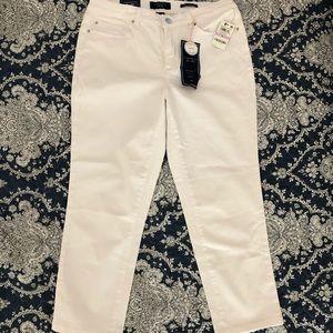NWT Charter Club White Bristol Capri Jeans, Sz 6